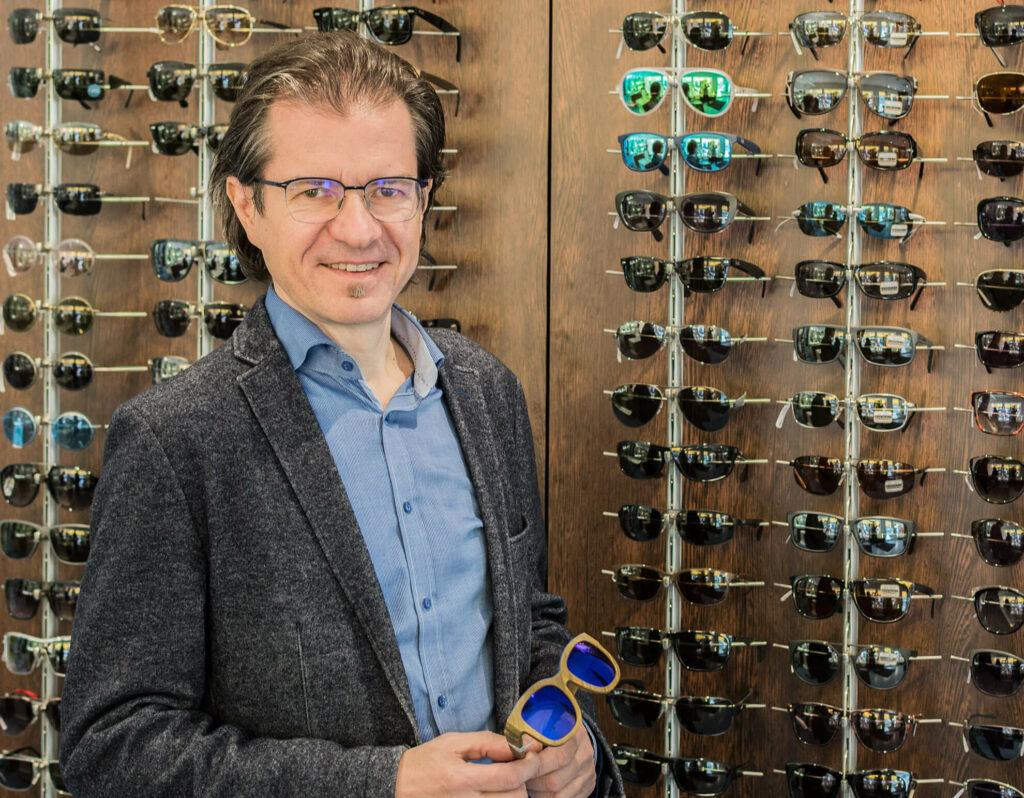 Optiker Jäckel im Shop in der Favoritenstrasse.
